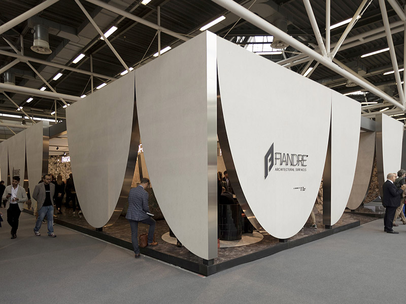 FIANDRE AT CERSAIE: PRAISING THE CURTAIN