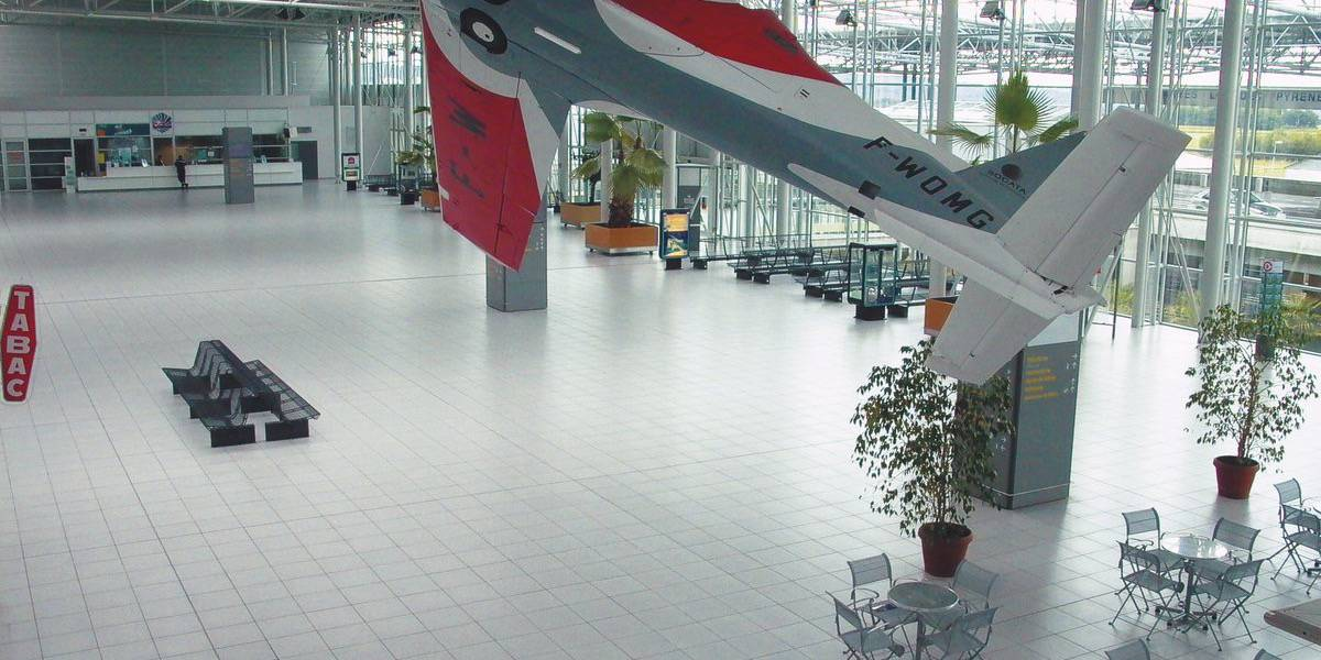 Stations and airports - TARBES-LOURDES PYRENEES AIRPORT