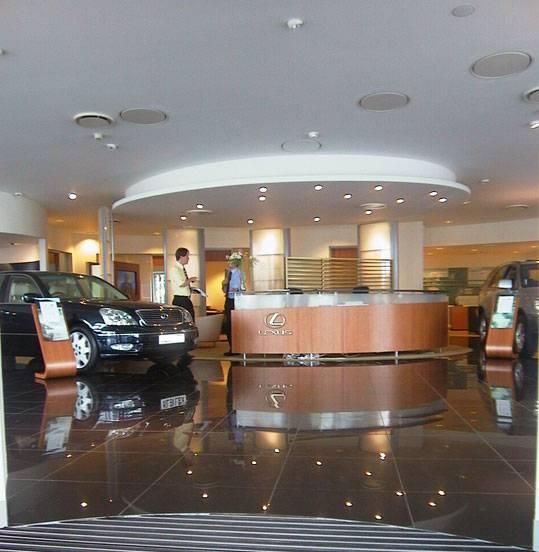 Lexus garage uk fiandre for Garage lexus paris