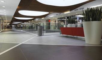 IL GRIFONE SHOPPING CENTRE