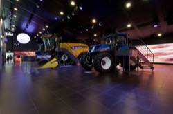 Exhibitions - SUSTAINABLE FARM PAVILLON EXPO MILANO 2015 - NEW HOLLAND AGRICULTURE