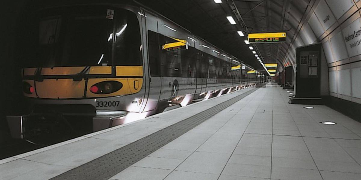 Stations and airports - HEATHROW EXPRESS TRAIN TERMINAL