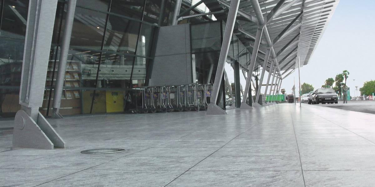 Airport De Pau France Fiandre
