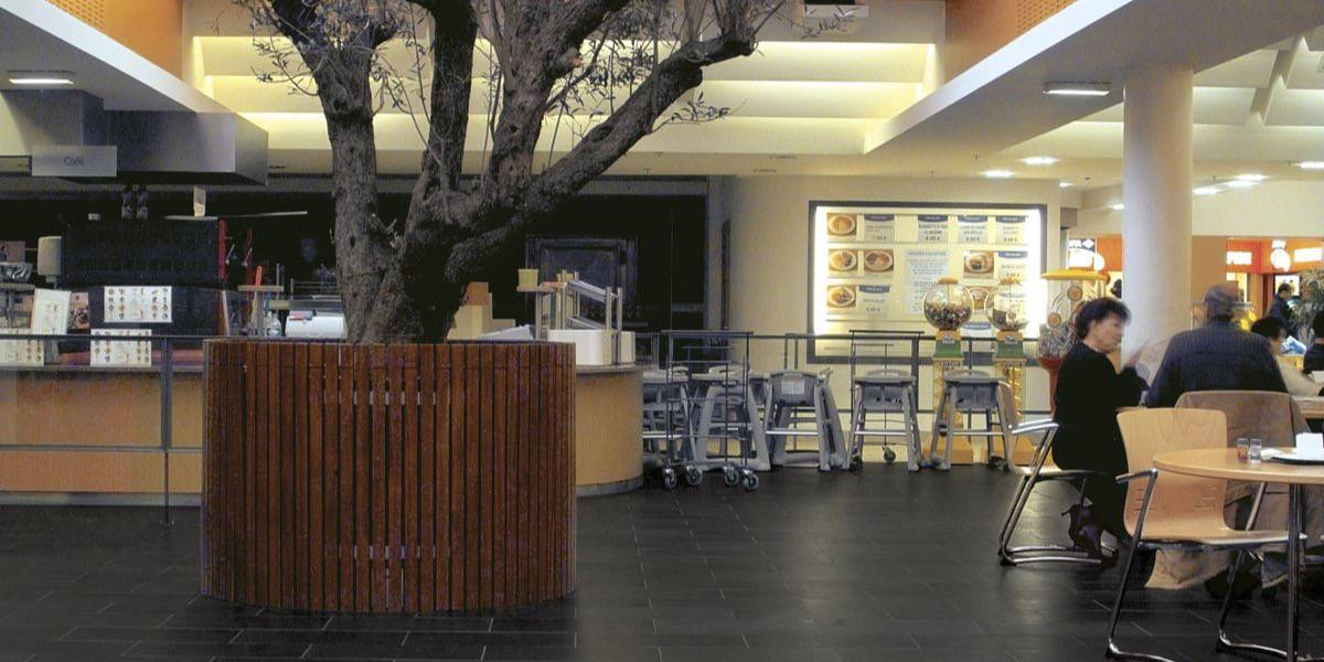 Restaurants - COFFEE SHOP AT SHOPPING CENTER LECLERC