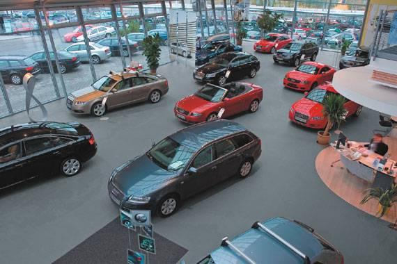 AUDI CAR DEALER Czech Republic Fiandre - Audi car lot